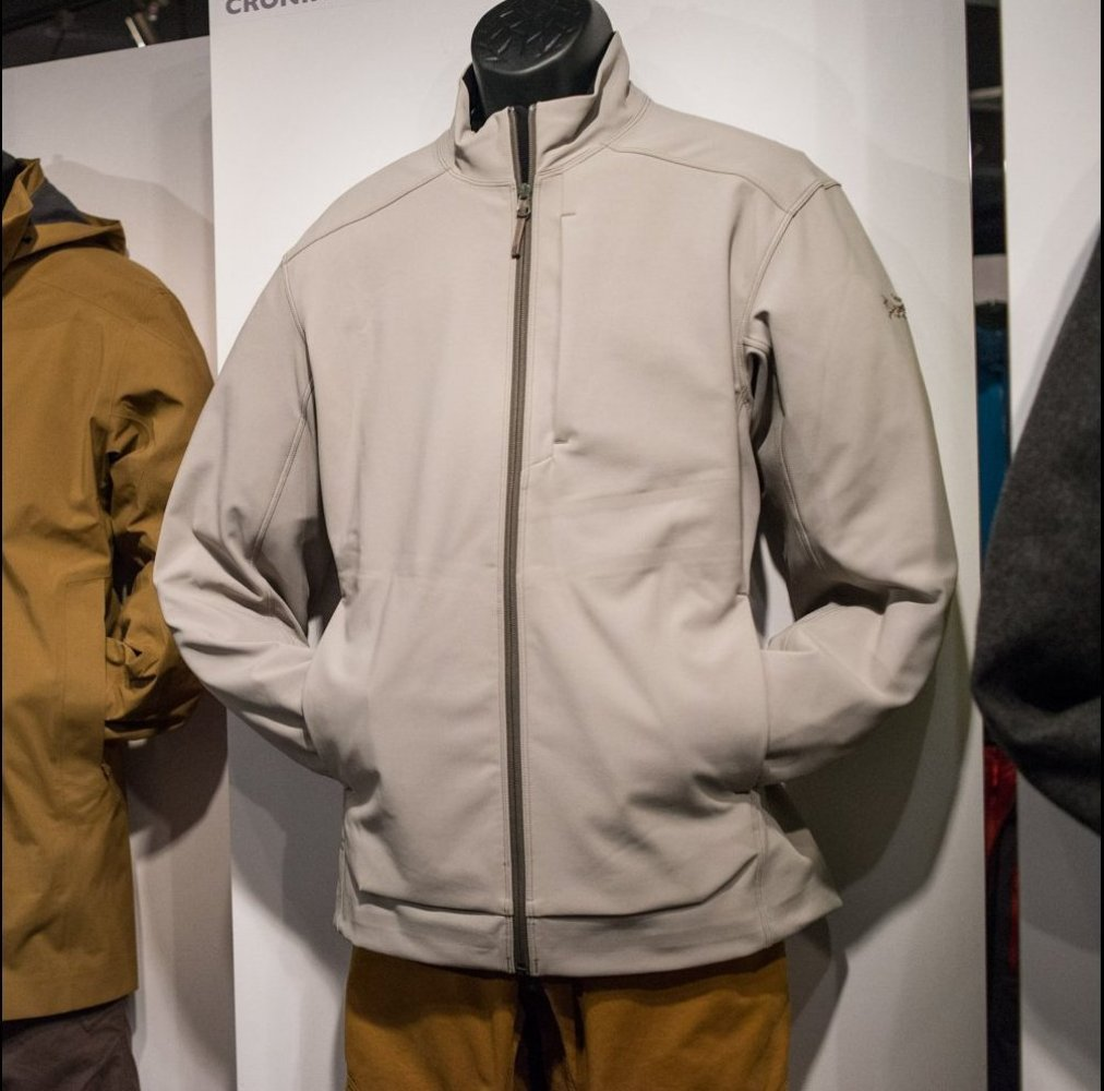 The Arc'teryx Carda jacket is an stylish urban piece with much of the outdoors durability of the rest of the Arc'teryx outerw
