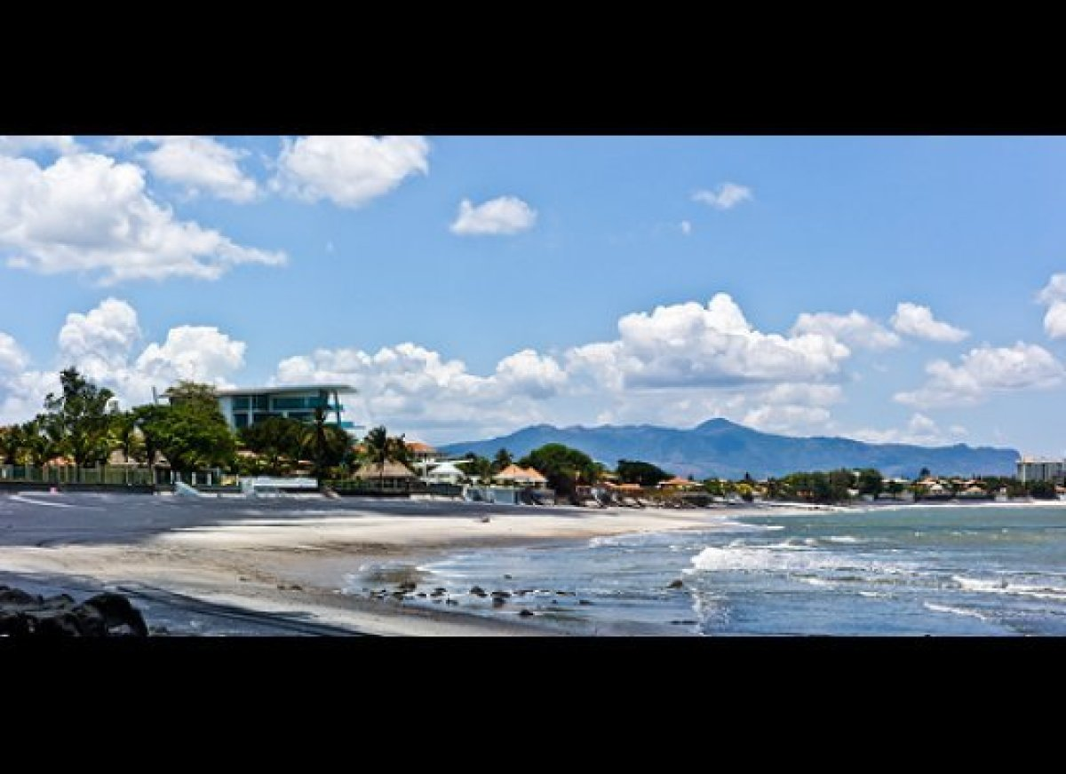 """One of the most popular beaches in <a href=""""http://internationalliving.com/countries/panama/"""" target=""""_hplink"""">Panama</a>, Co"""