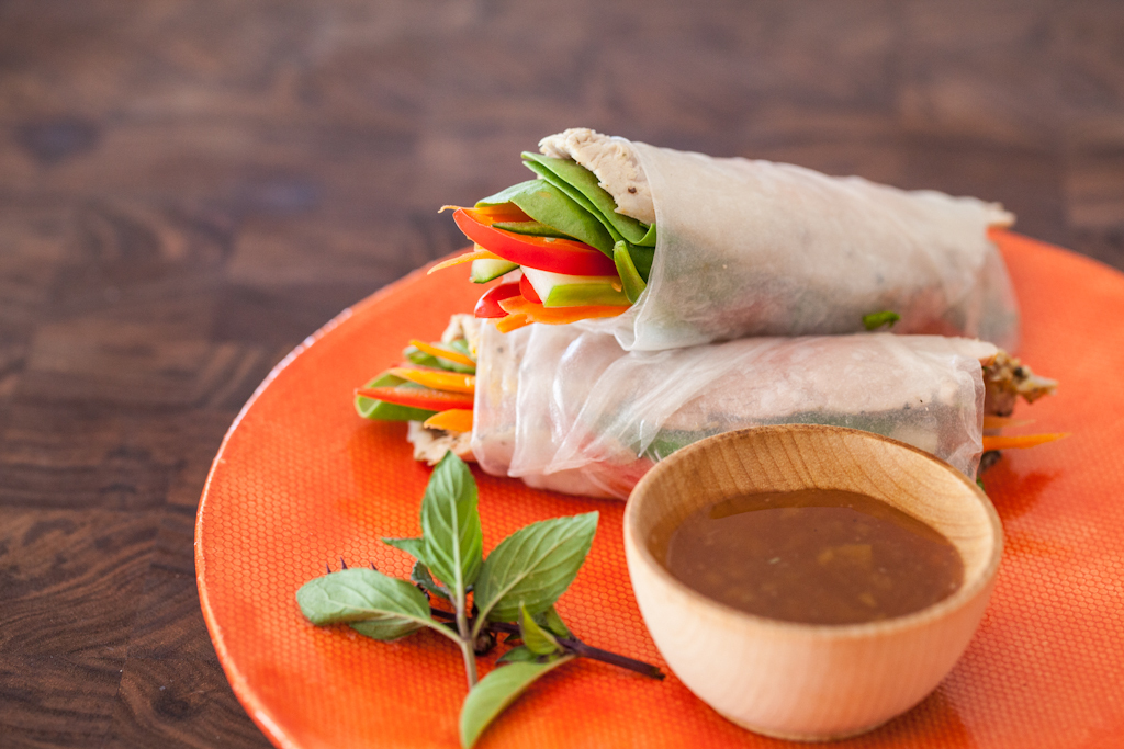 "<strong>Get the <a href=""http://www.steamykitchen.com/23642-vietnamese-spring-rolls-slow-cooker-pork-recipe.html"" target=""_bl"