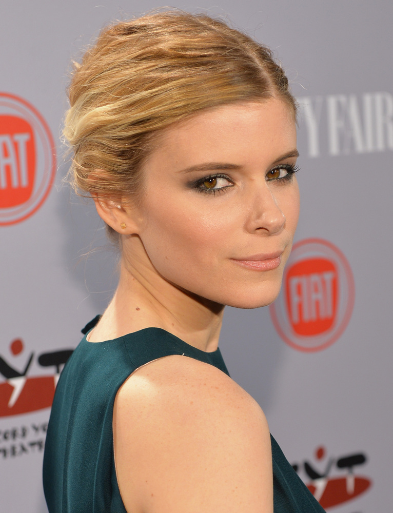 LOS ANGELES, CA - FEBRUARY 25:  Actress Kate Mara attends Vanity Fair and FIAT celebration of 'Young Hollywood' during Vanity