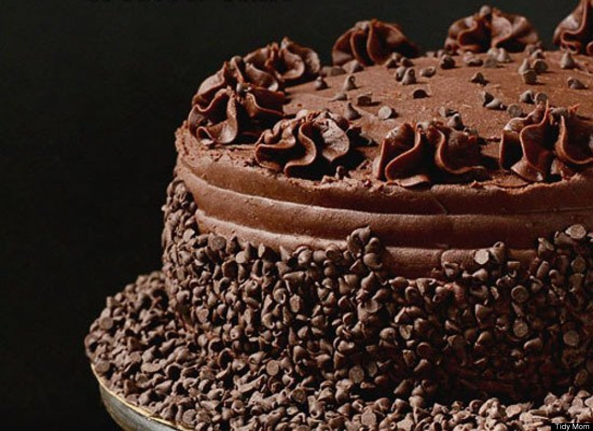"""<strong>Get the <a href=""""http://tidymom.net/2012/chocolate-frosted-yellow-cake/"""" target=""""_hplink"""">Dark Chocolate Frosted Yell"""