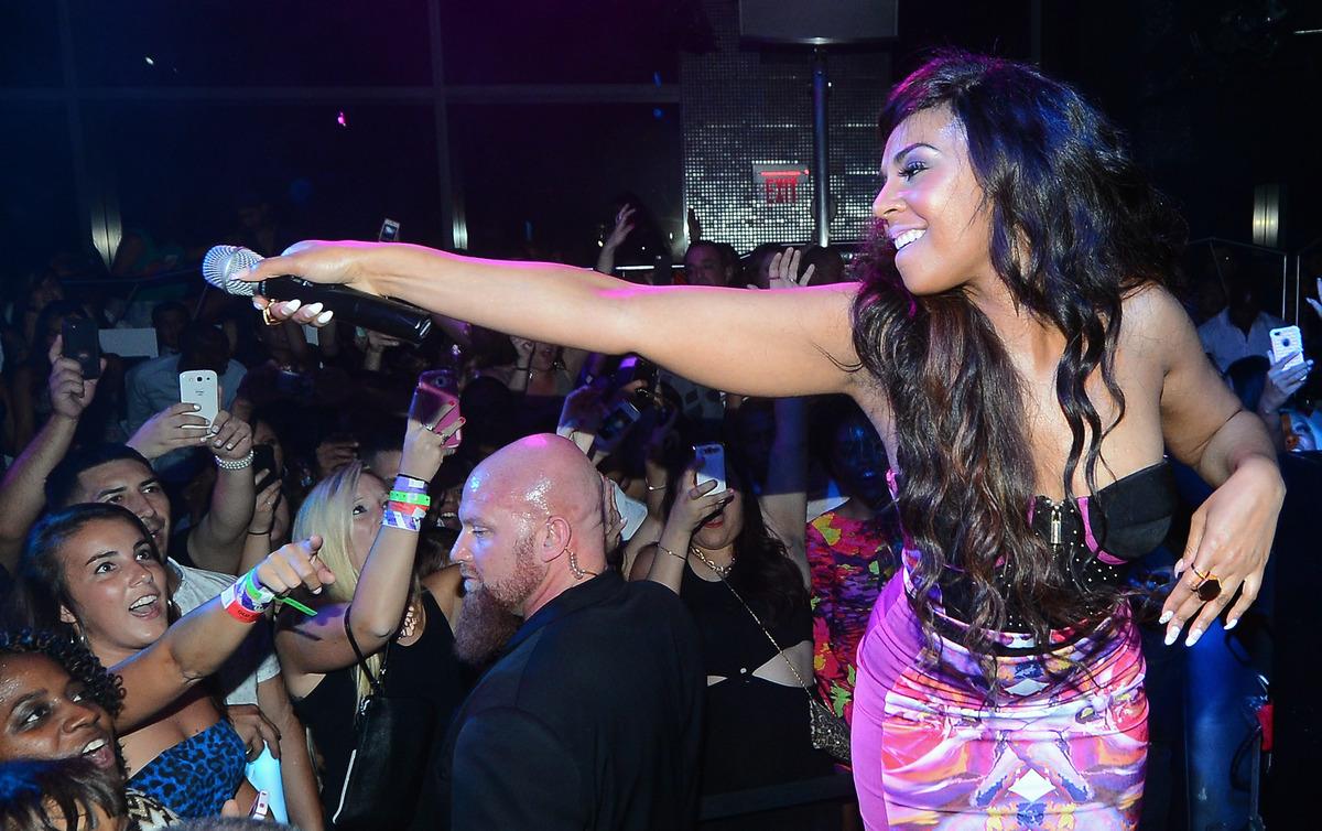LAS VEGAS, NV - AUGUST 31:  Singer/actress Ashanti performs at Moon nightclub at the Palms Casino Resort to celebrate Labor D