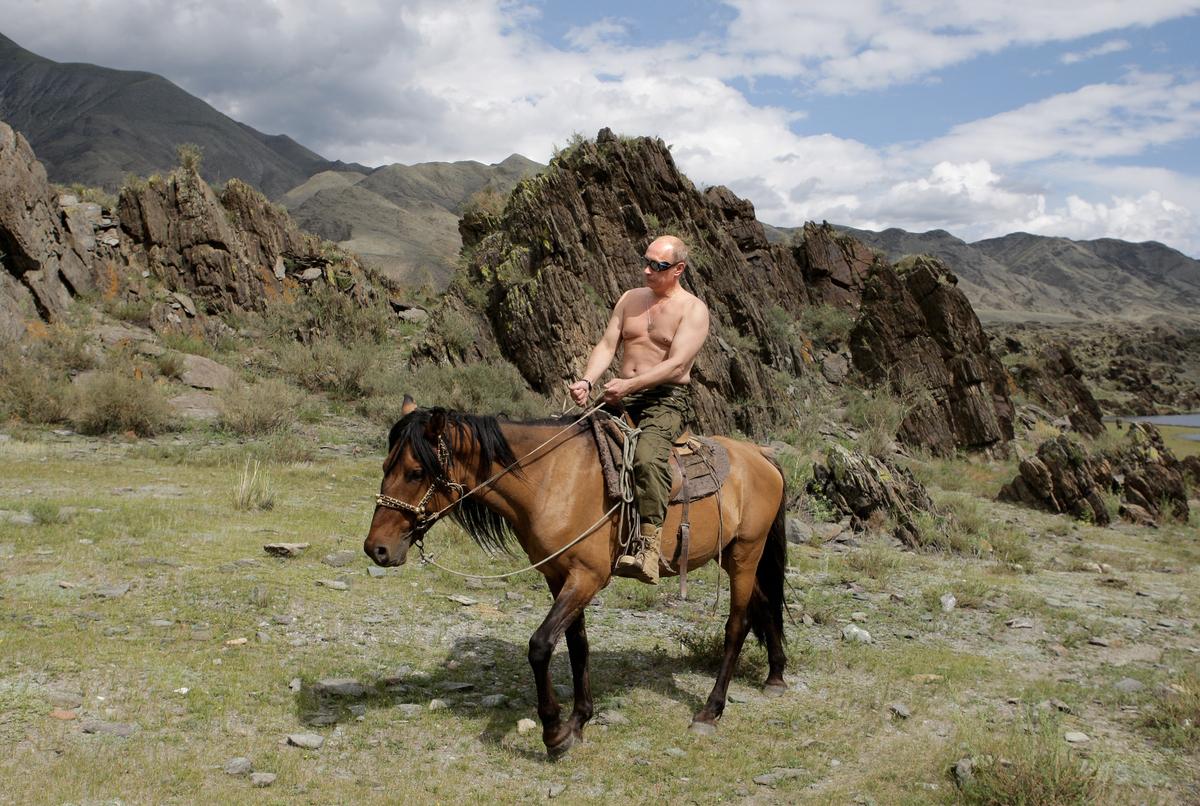 Cabalgata a caballo #1. En el poblado de Kyzyl, en el sur de Siberia. Foto tomada el 3 de agosto del 2009.