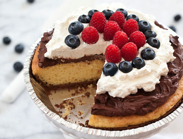 """<strong>Get the <a href=""""http://www.foodiecrush.com/2012/06/yellow-cake-pie-with-chocolate-mousse/"""" target=""""_blank"""">Yellow Ca"""