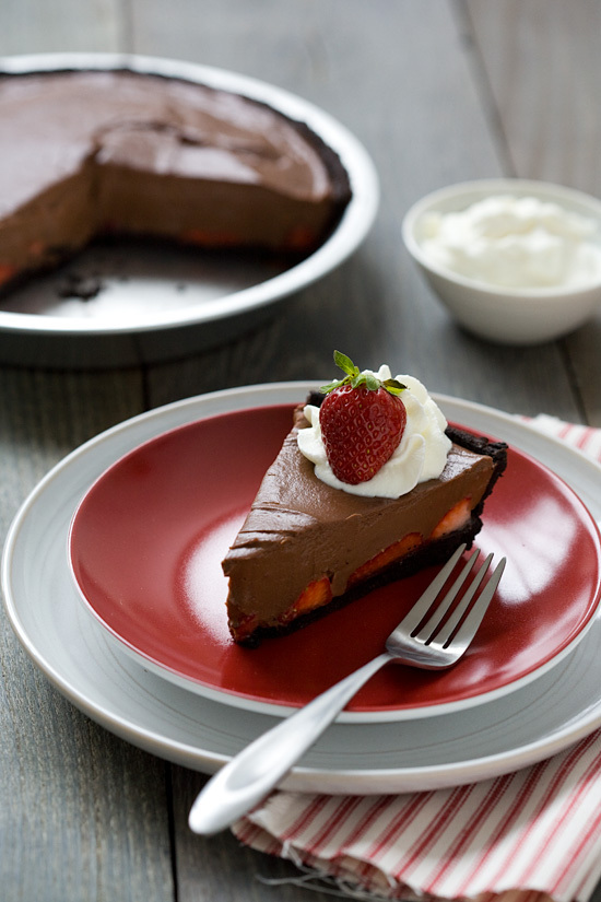 """<strong>Get the <a href=""""http://www.loveandoliveoil.com/2012/04/chocolate-strawberry-oasis-pie.html"""" target=""""_blank"""">Chocolat"""