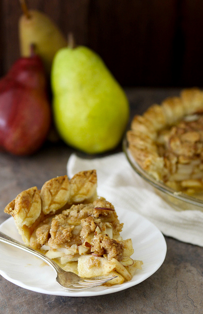 """<strong>Get the <a href=""""http://www.annies-eats.com/2012/11/16/pear-crumble-pie/"""" target=""""_blank"""">Pear Crumble Pie recipe</a>"""