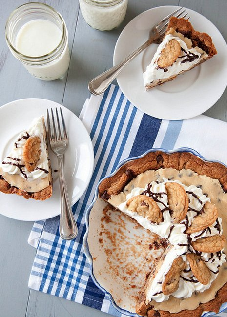 """<strong>Get the <a href=""""http://www.annies-eats.com/2014/03/14/chocolate-chip-cookie-dough-pie/"""" target=""""_blank"""">Chocolate Ch"""