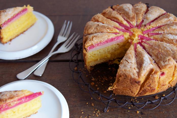 "<strong>Get the <a href=""http://eatlittlebird.com/2012/03/24/rhubarb-custard-tea-cake/"" target=""_hplink"">Rhubarb Custard Tea"