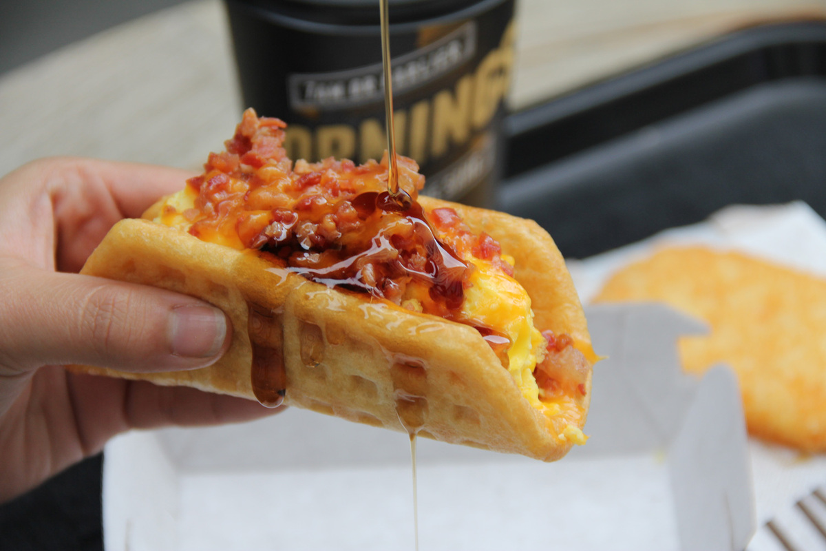 real photos of taco bell u0027s new breakfast items are different