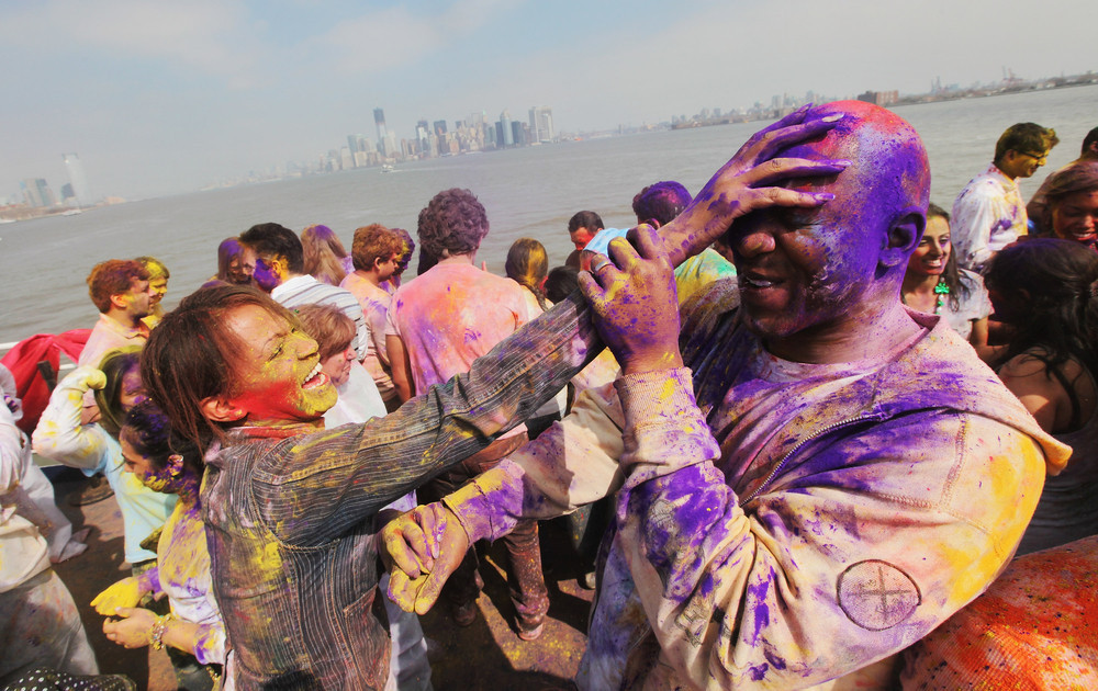 If there's any place that knows how to welcome spring, it's India. The country's celebration of Holi, or Festival of Lights,
