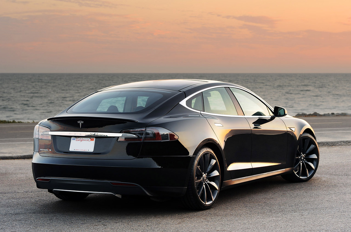 2012 Tesla Model S First Drive Photos