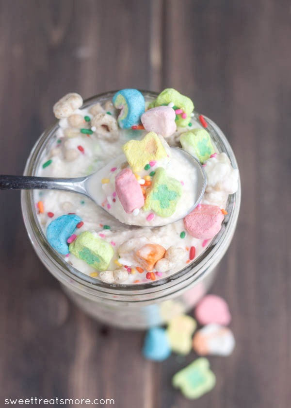 "<strong>Get the <a href=""http://sweettreatsmore.com/2014/03/lucky-charms-blizzard/"" target=""_blank"">Lucky Charms Blizzard rec"