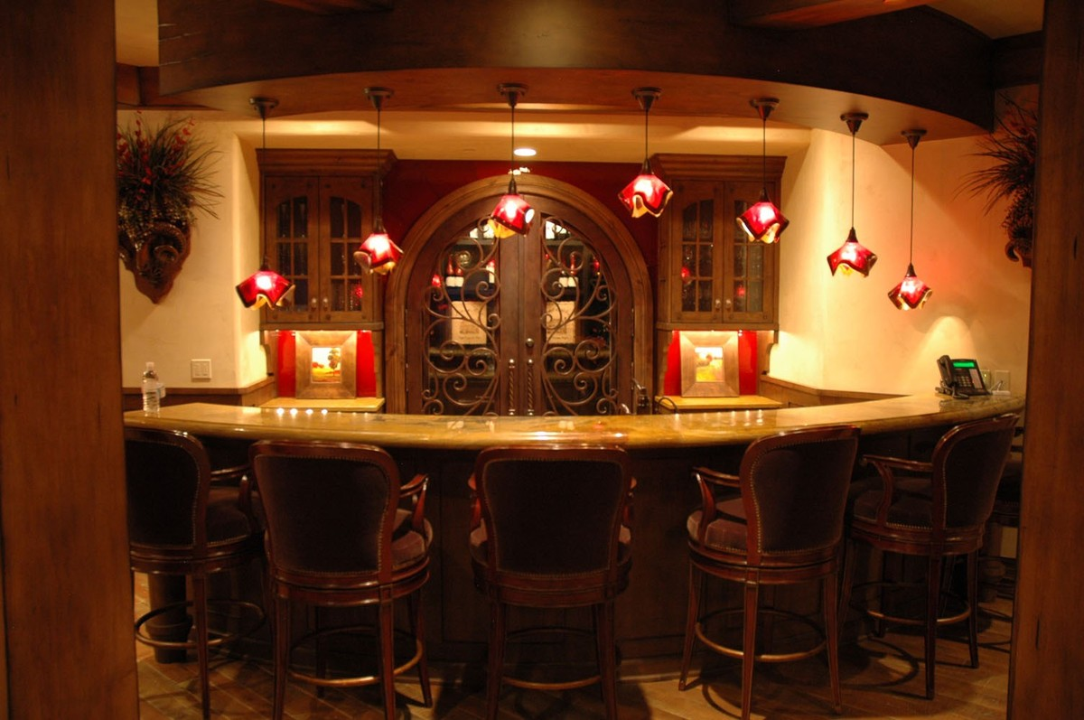 These 14 Home Bars Are What Dreams Are Made Of (PHOTOS)