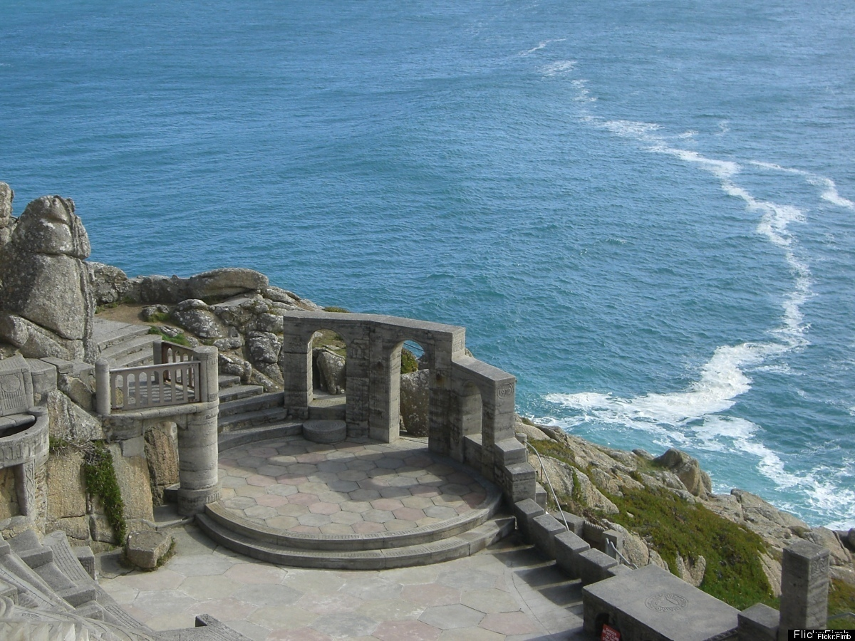 "<a href=""http://www.cheapflights.com"" target=""_hplink"">Cheapflights.com </a> opens the show outdoors at the Minack Theatre. W"