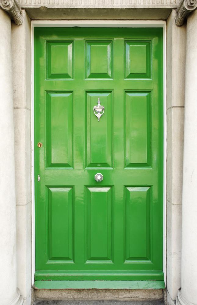 Unusual Colors You Havent Considered For Your Front Door But - Green front door