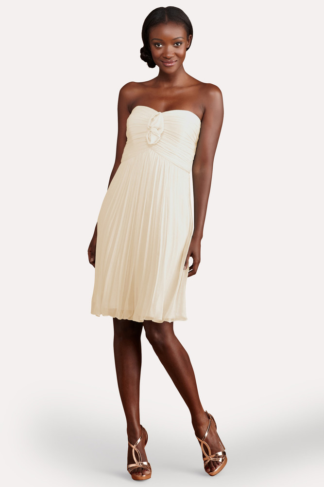 "<em>Donna Morgan Bridesmaids Hallie Dress - Final Sale From <a href=""http://r.lover.ly/redir.php/Et26EMG/z3s_aHR0cDovL3d3dy5k"