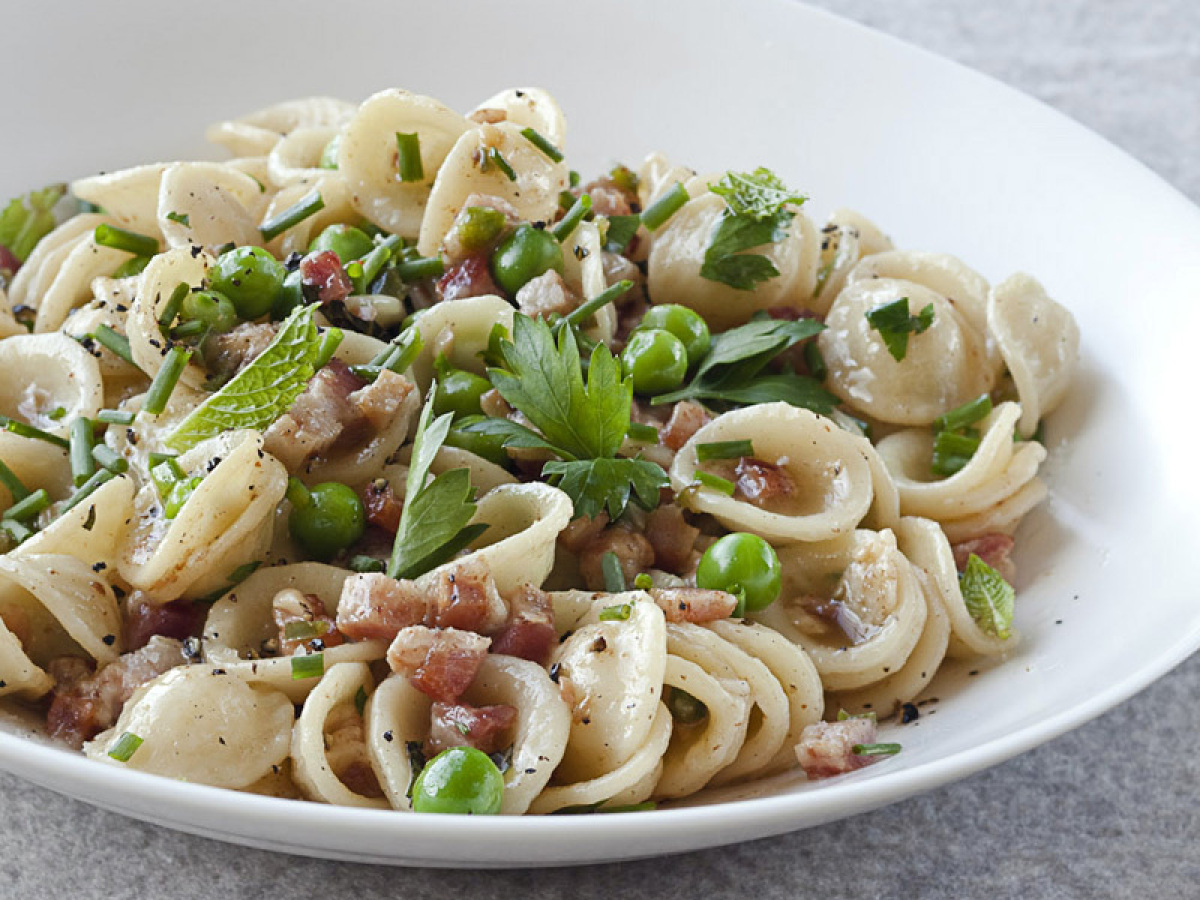 """<strong>Get the <a href=""""http://www.huffingtonpost.com/2011/10/27/orecchiette-with-pancetta_n_1058585.html"""" target=""""_hplink"""">"""