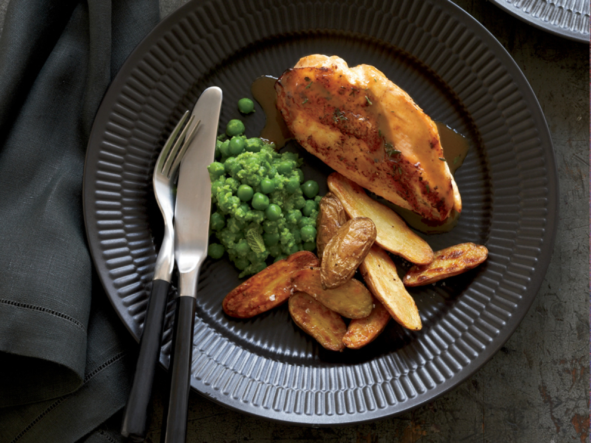 """<strong>Get the <a href=""""http://www.huffingtonpost.com/2011/10/27/chicken-breasts-with-pota_n_1058289.html"""" target=""""_hplink"""">"""