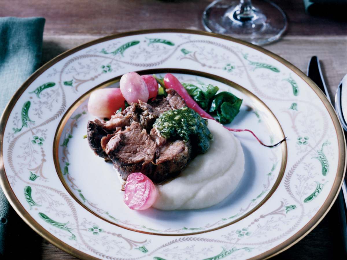 "<strong>Get the <a href=""http://www.huffingtonpost.com/2011/10/27/slow-roasted-lamb-shoulde_n_1058690.html"" target=""_hplink"">"