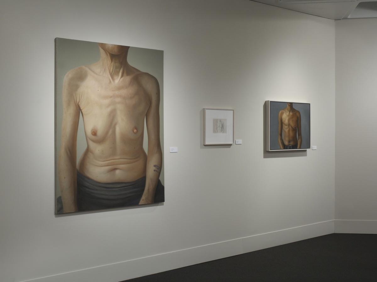 전시장 전경, 루스 S. 할리 대학 센터의 갤러리, 뉴욕주 가든시 아델피 대학, 2011