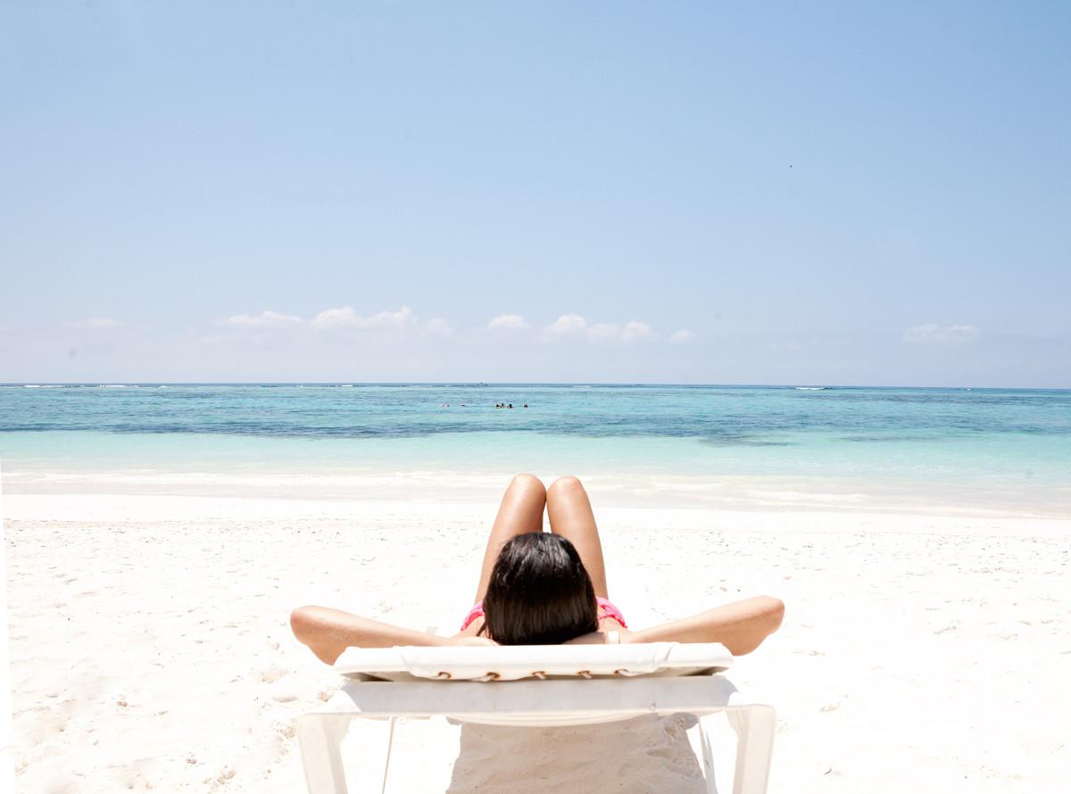 """On a warm, sunny beach with no wind."" -- <a href=""https://www.facebook.com/GPSfortheSoul/posts/695669053812339?stream_ref=10"