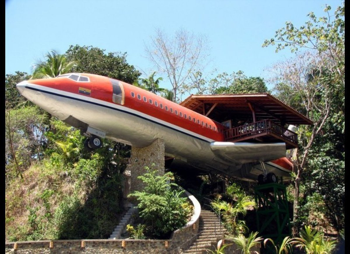 "<strong><a href=""http://www.cntraveler.com/daily-traveler/2011/11/hotels-in-unlikely-places#/slide=1?mbid=synd_huffpotravel"""