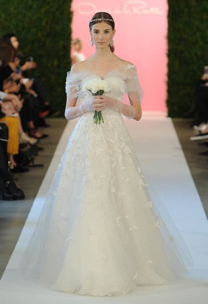 """<em>Photo: MCV Photo / The Knot</em><strong>More from The Knot: </strong><a href=""""http://blog.theknot.com/tag/bridal-fashion-"""