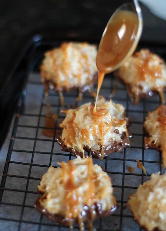 "<strong>Get the <a href=""http://cookiesandcups.com/salted-caramel-coconut-macaroons/"" target=""_blank"">Salted Caramel Coconut"