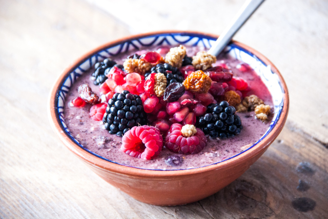 "<strong>Get the <a href=""http://rosalieruardy.com/2013/09/22/breakfast-acai-bowl/"" target=""_blank"">Acai Oat Bowl recipe</a> f"