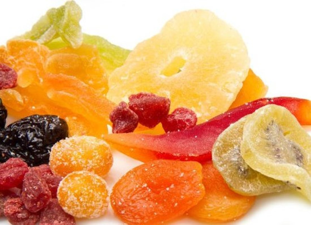 Dehydrated fruits make a great snack or addition to your favorite trail mix or breakfast cereal, and can be made very easily