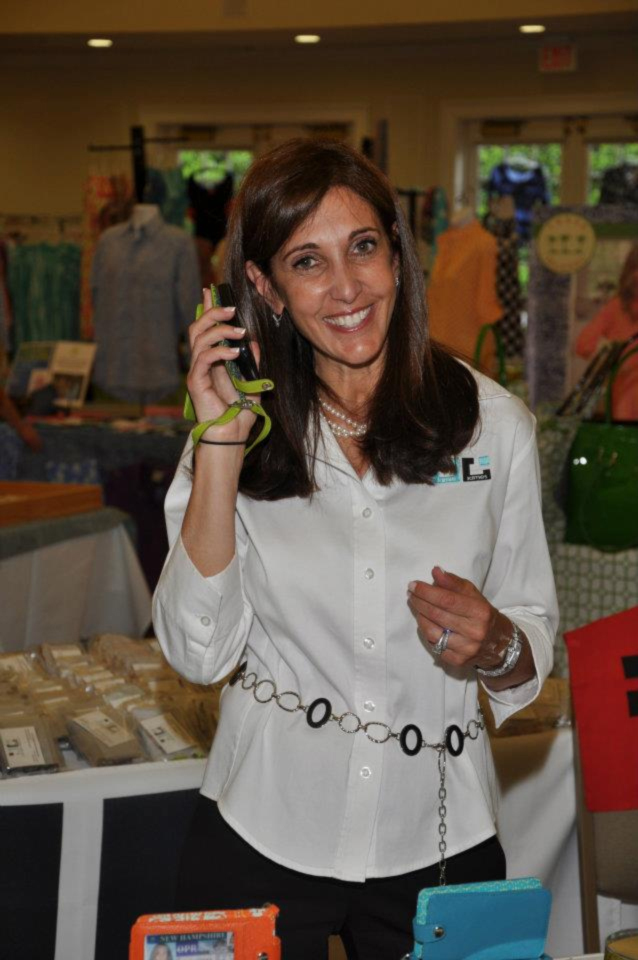 Tired of constantly losing her cell phone and keys, New Hampshire mom Jamie James invented a clever, all-in-one purse product