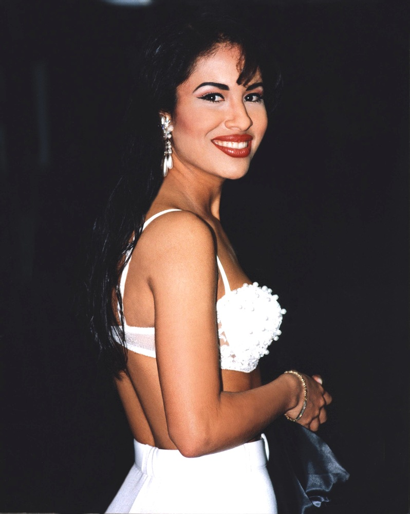 19 reasons selena will never be forgotten photos huffpost an error occurred voltagebd Gallery