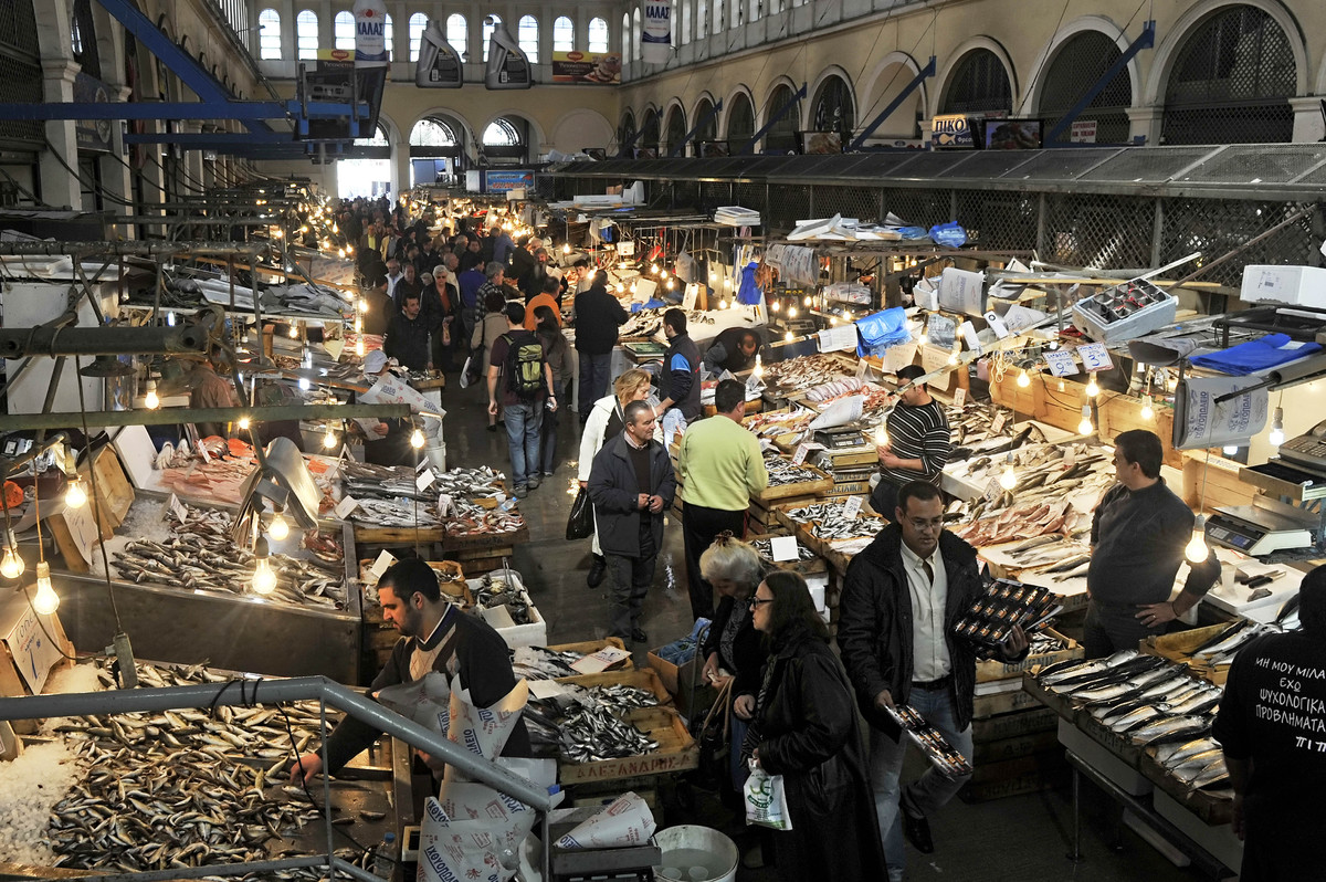 Athens central fish market, March 28, 2011. (Louisa Gouliamaki/AFP/Getty Images)