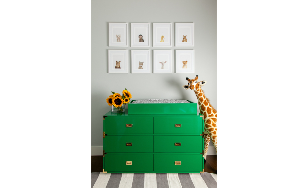 Skip the matching furniture set and go for individual pieces with lots of character instead. In this kid's room, designer Gra