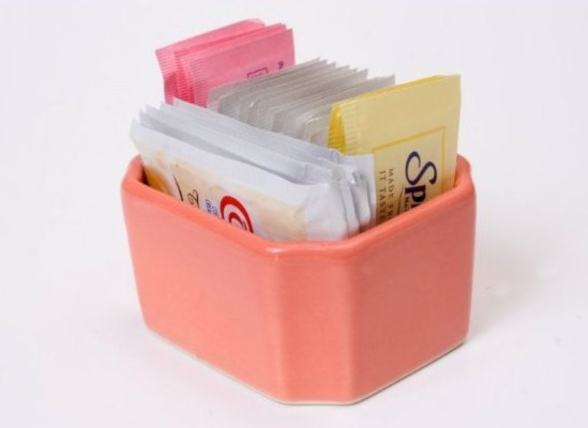 Artificial sweeteners have the advantage of being calorie-free, but some of the negative side effects associated with their c