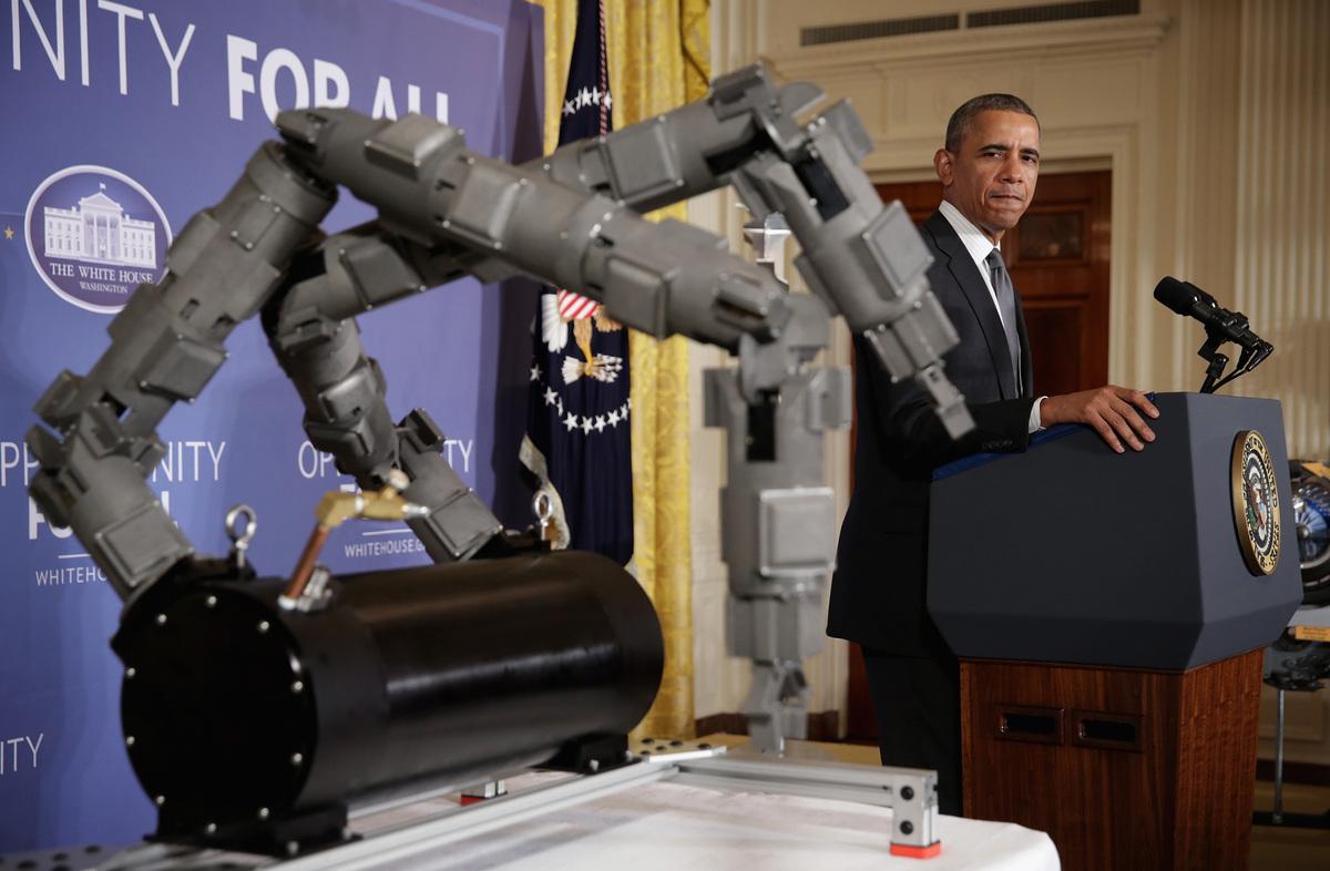 WASHINGTON, DC - FEBRUARY 25:  U.S. President Barack Obama makes remarks on manufacturing innovation institutes along side a