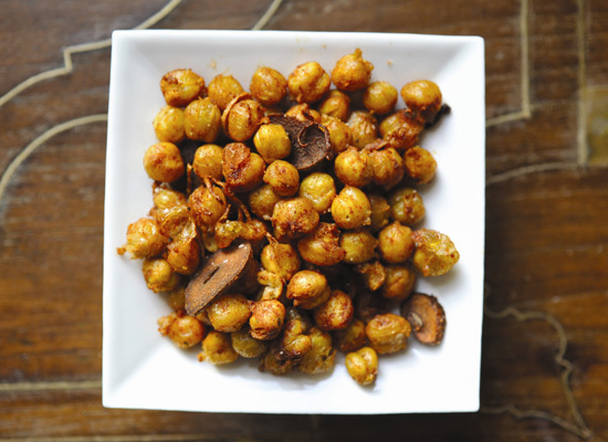 "<strong>Get the <a href=""http://www.huffingtonpost.com/2011/12/15/smoky-fried-chickpeas_n_1151656.html"">Smoky Fried Chickpeas"