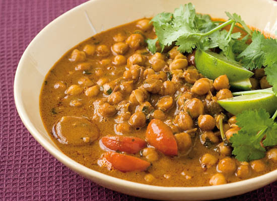 "<strong>Get the <a href=""http://www.huffingtonpost.com/2011/10/27/curried-chickpeas_n_1057660.html"">Curried Chickpeas</a> rec"