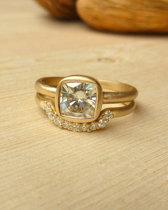 9 Yellow Gold Engagement Rings You re Bound To Swoon Over