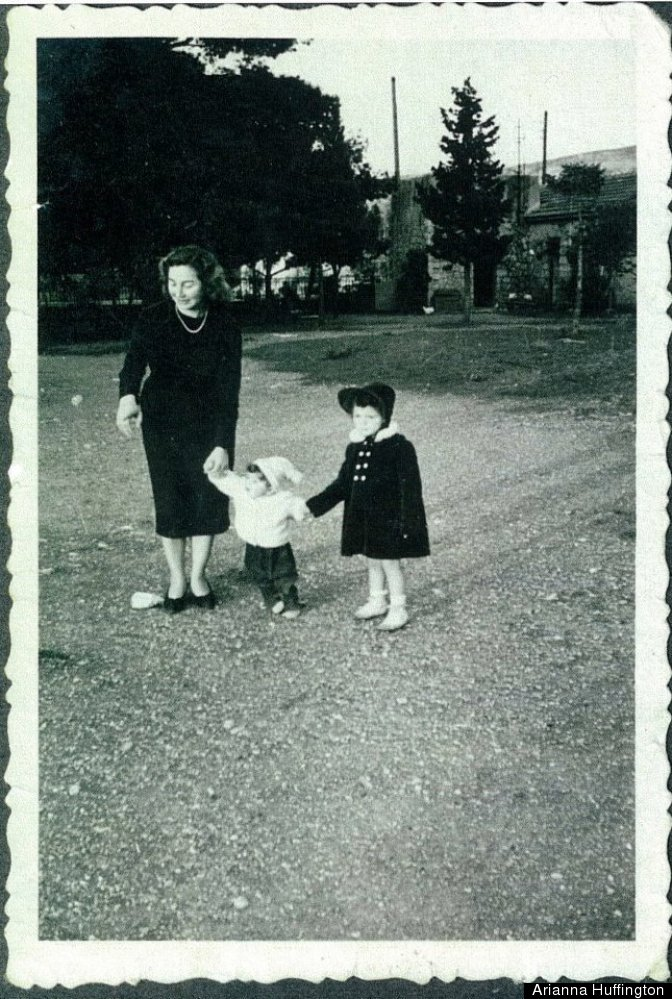 Arianna with her mother and sister Agapi Stassinopoulos in Athens.