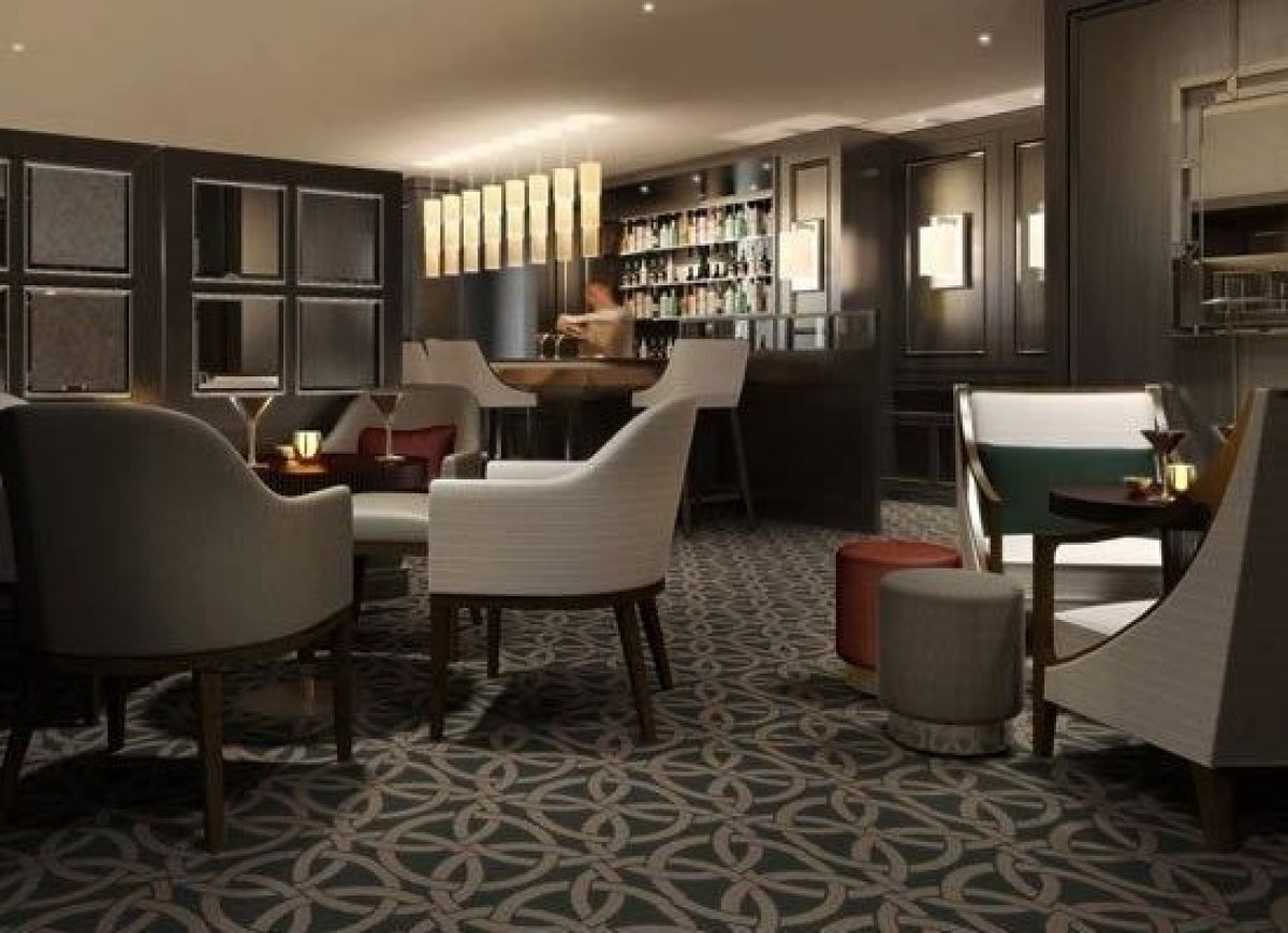 Sheraton Park Hotel, London <br> Continuing with the bling is the Sheraton's 5-star London property that serves an intense