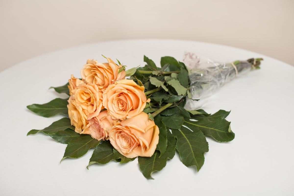 Here are 6 ways anyone can transform cheap grocery store flowers roses before izmirmasajfo Gallery