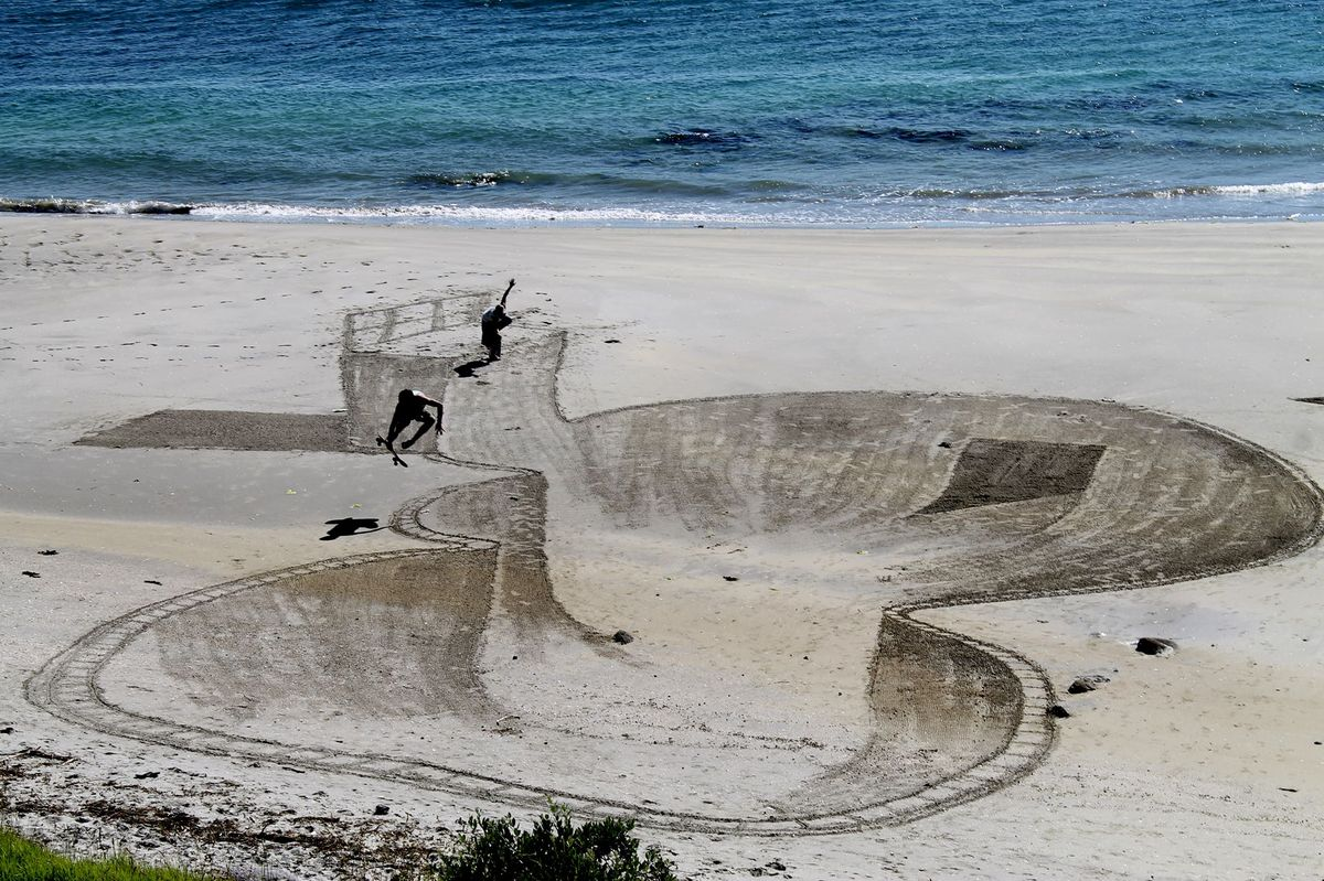 Forget Sand Castles These 3D Drawings Just Upped The Stakes For Beach Art