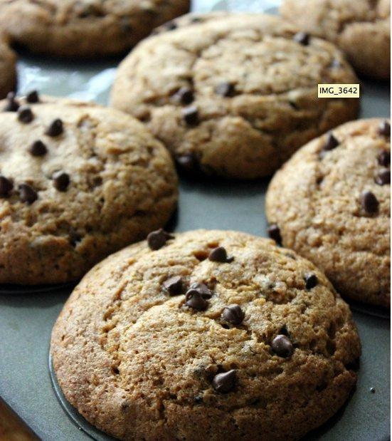 """<strong>Get the <a href=""""http://www.agirldefloured.com/2012/09/14/pumpkin-chocolate-chip-muffins/"""" target=""""_blank"""">Gluten-Fre"""