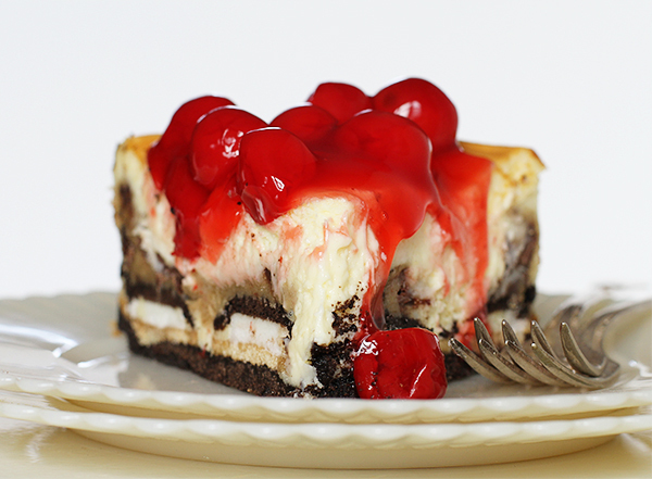 """<strong>Get the <a href=""""http://iambaker.net/cherry-cheesecake-with-oreos-and-chocolate-chip-cookie/"""" target=""""_blank"""">Cherry"""