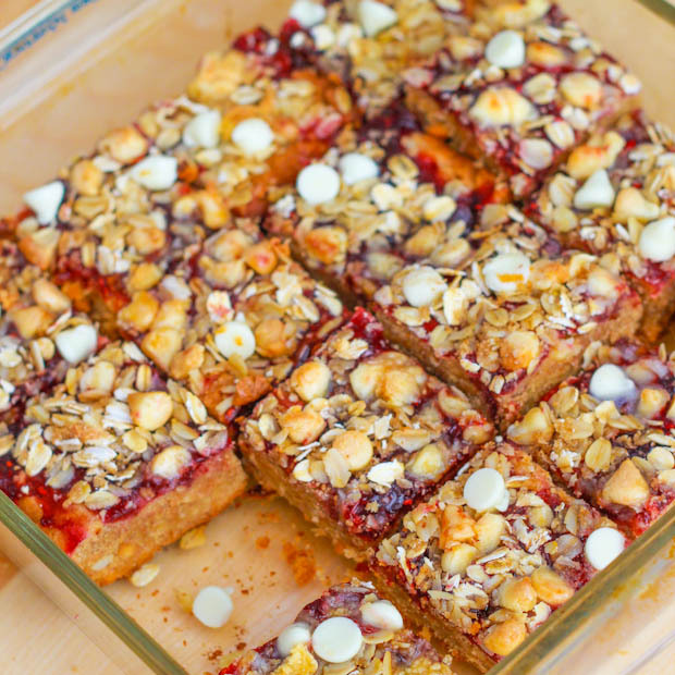 """<strong>Get the <a href=""""http://sallysbakingaddiction.com/2012/09/06/peanut-butter-jelly-bars-with-white-chocolate-streusel-2"""
