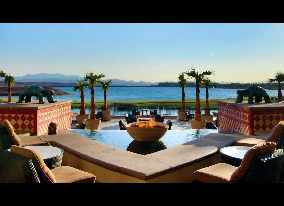 """This isn't typical Las Vegas. Situated on a lake, away from the saturated Strip, this <a href=""""http://www.kiwicollection.com/"""