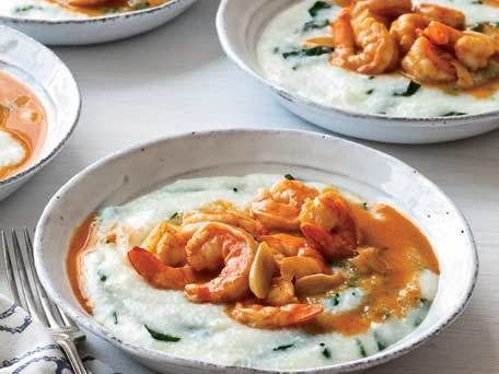 "<strong>Get the <a href=""http://www.huffingtonpost.com/2011/10/27/smoky-shrimp-and-grits_n_1059206.html"" target=""_blank"">Smok"
