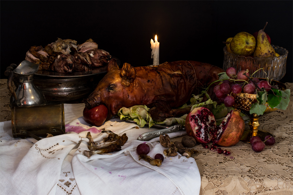 "Henry VII, ""The banquet diet,"" Pork, chicken, rabbit and lamb's meat. Fruits and wine (water was consider unhealthy)."
