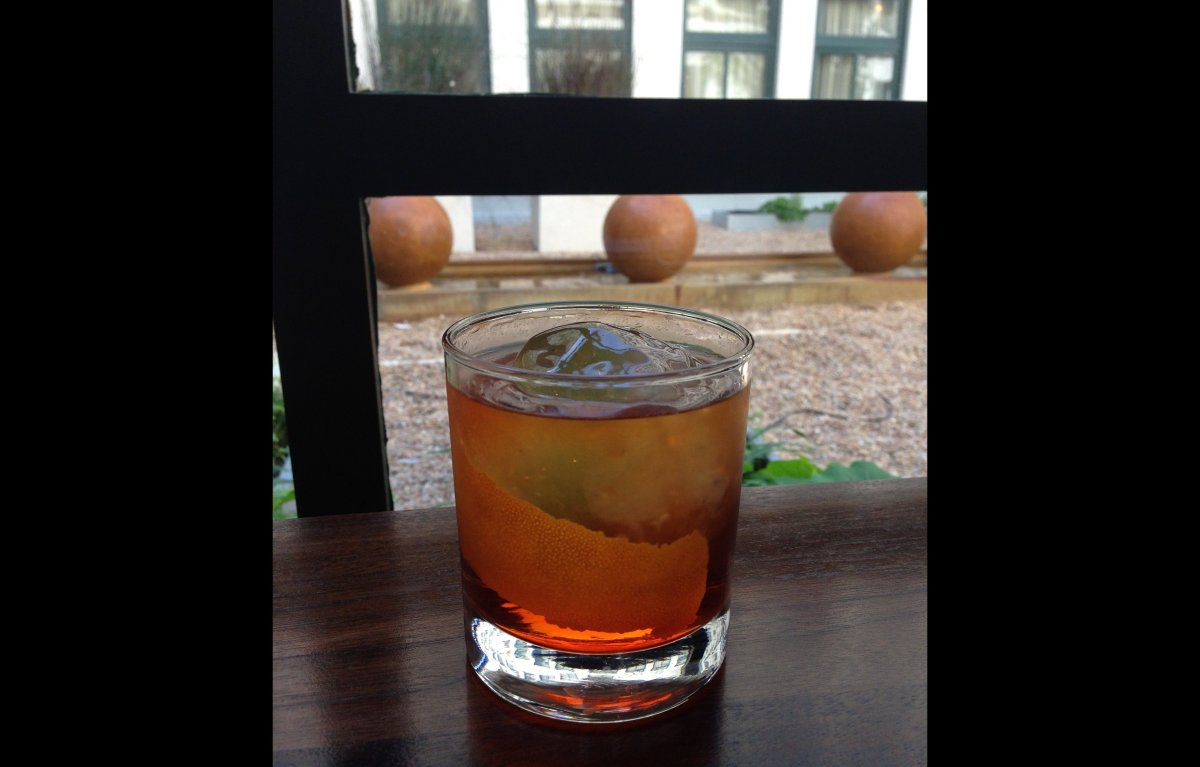 """<a href=""""http://imbibemagazine.com/Oaxacan-Cocktail-Recipe"""" target=""""_hplink"""">Oaxacan Negroni</a> This subtly smoky riff on t"""